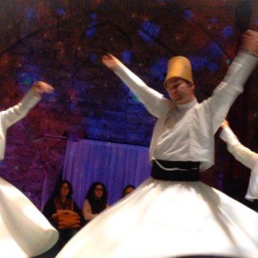 La danza mistica dei dervisci rotanti