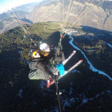 In volo con il parapendio con gli sci!