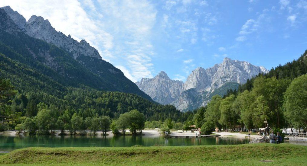 Passo del Vrsic: la meraviglia delle Alpi Giulie e dei laghi turchesi