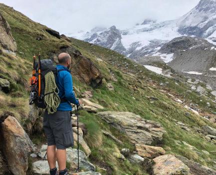 Scarpe, abbigliamento e attrezzatura per il trekking: consigli pratici in pillole