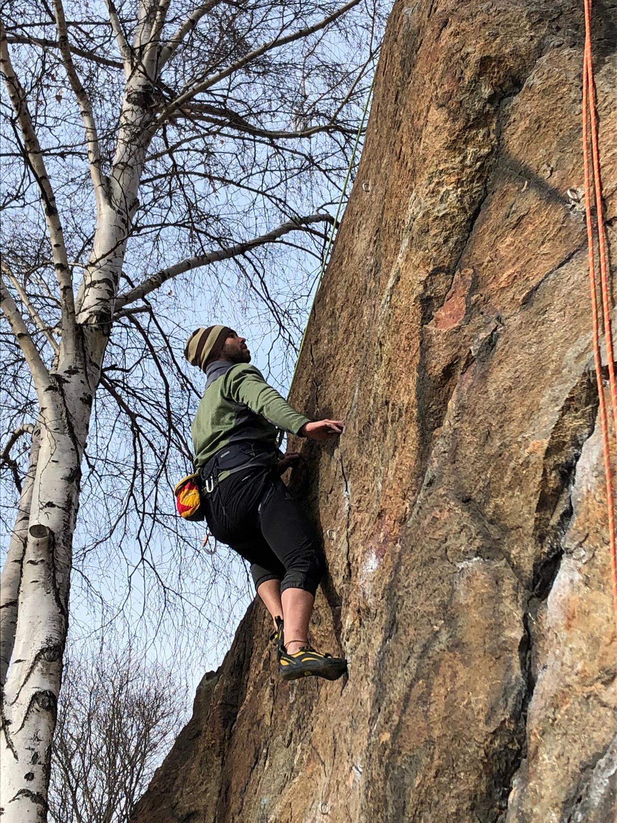 Avvicinamento all'arrampicata: breve guida per chi vuole iniziare ad arrampicare